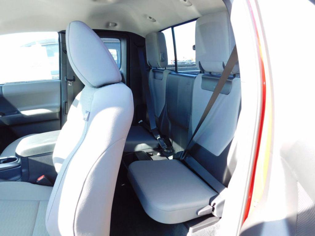 2017 Toyota Tacoma SR5 Access Cab 6' Bed V6 4x4 Automatic - 17007994 - 11