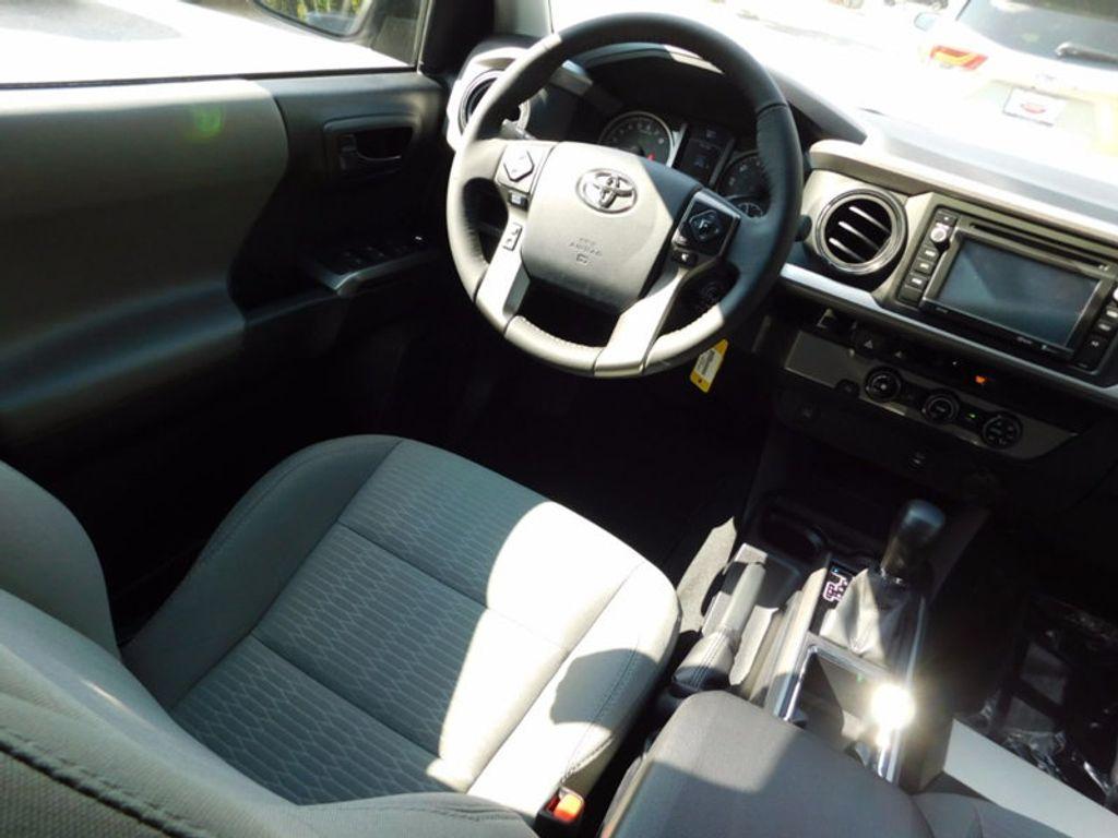 2017 Toyota Tacoma SR5 Double Cab 5' Bed V6 4x2 Automatic - 16888472 - 10