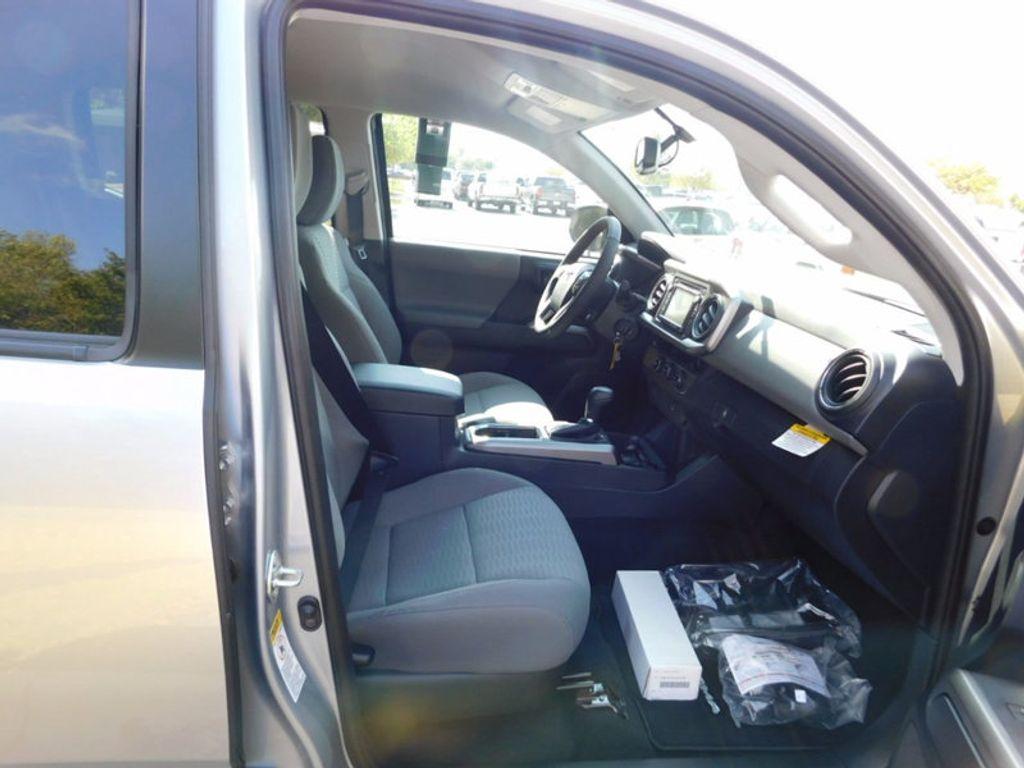 2017 Toyota Tacoma SR5 Double Cab 5' Bed V6 4x2 Automatic - 16888472 - 7