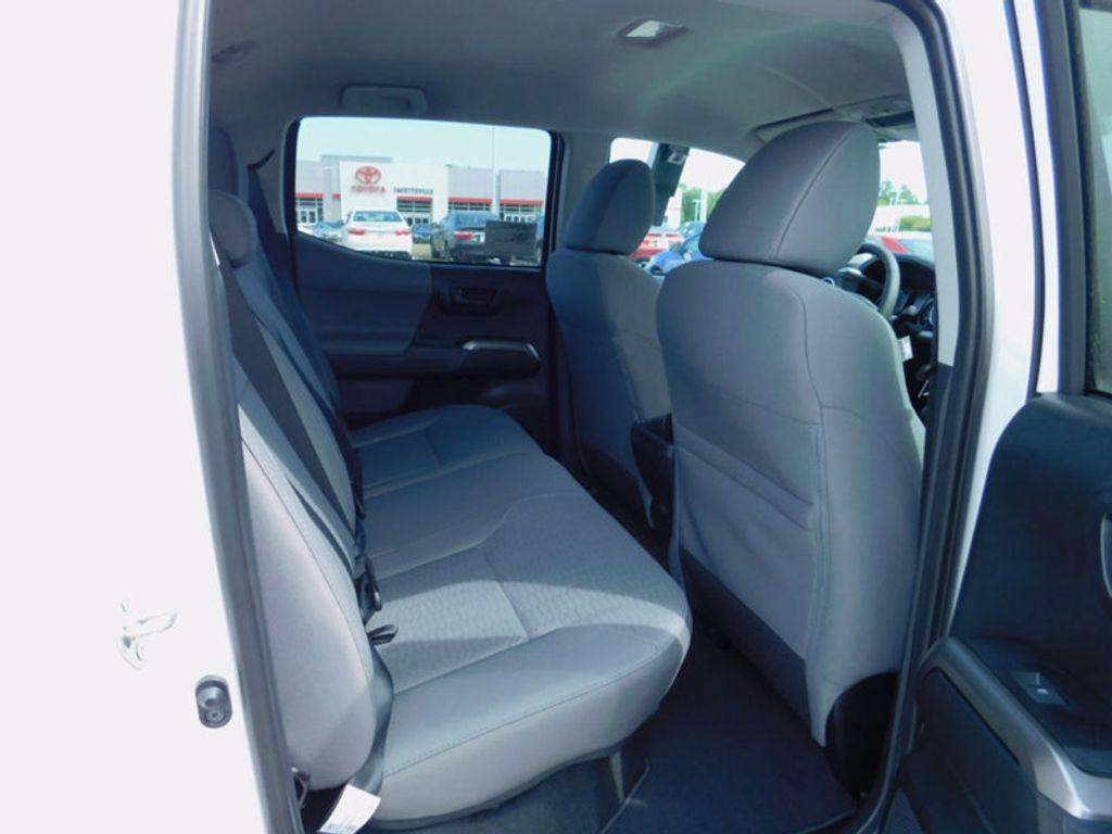 2017 Toyota Tacoma SR5 Double Cab 5' Bed V6 4x4 Automatic - 16516415 - 11