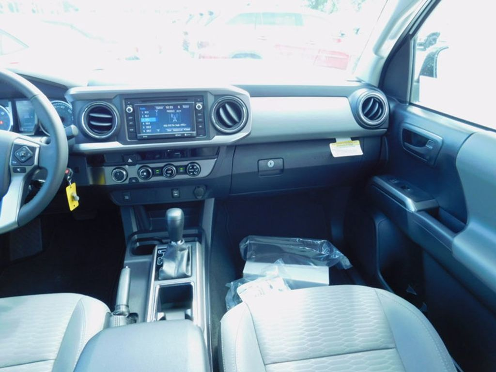 2017 Toyota Tacoma SR5 Double Cab 5' Bed V6 4x4 Automatic - 16516415 - 13
