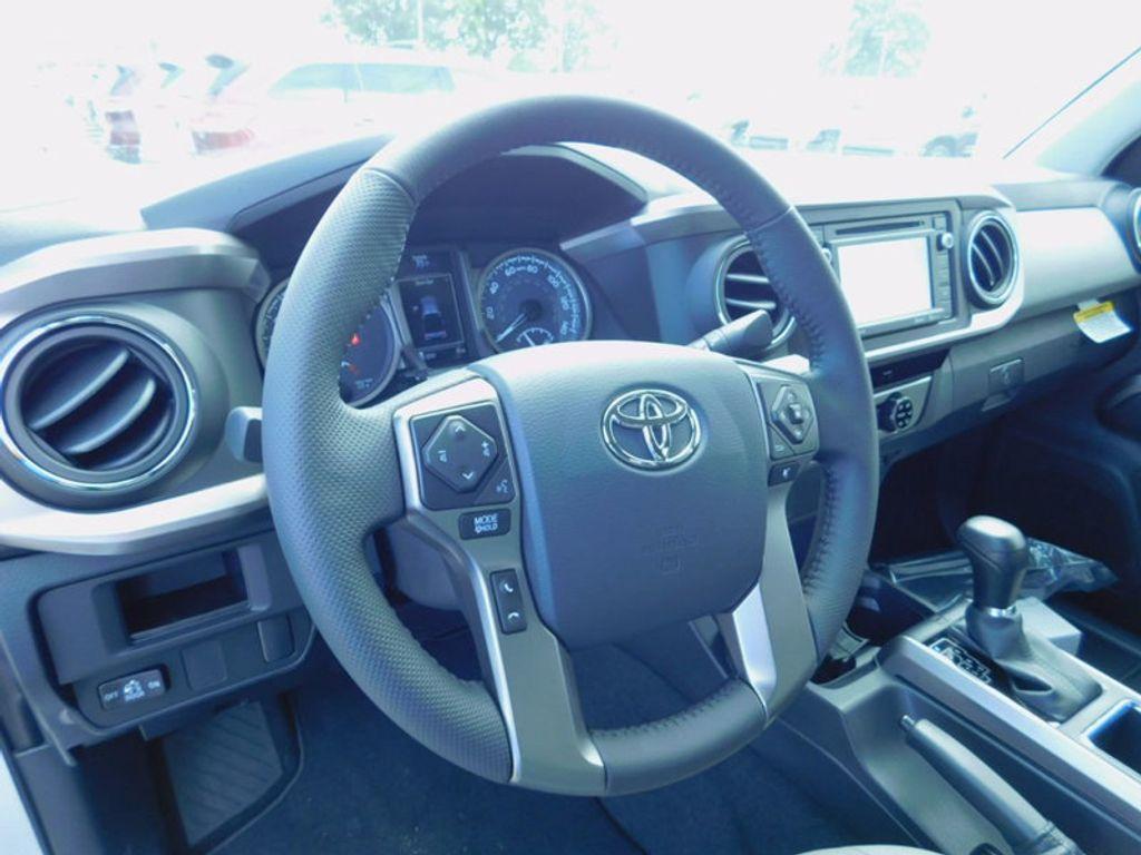 2017 Toyota Tacoma SR5 Double Cab 5' Bed V6 4x4 Automatic - 16516415 - 16