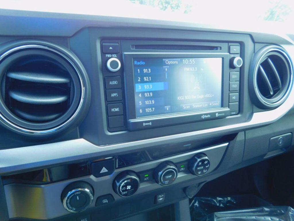 2017 Toyota Tacoma SR5 Double Cab 5' Bed V6 4x4 Automatic - 16516415 - 19