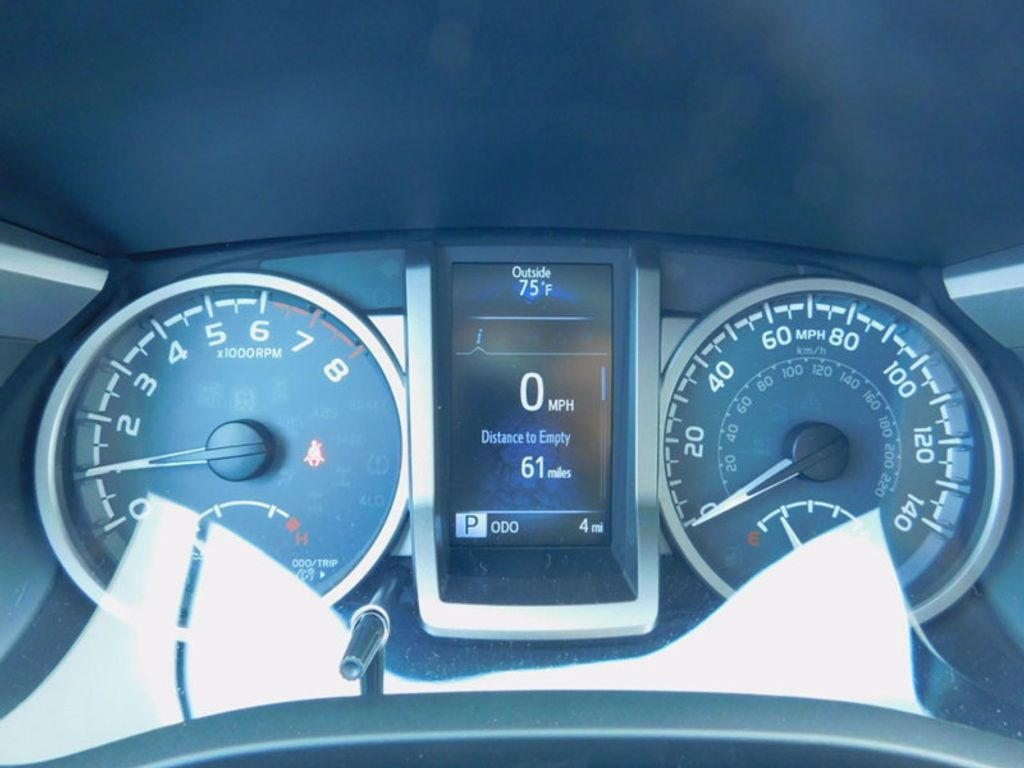 2017 Toyota Tacoma SR5 Double Cab 5' Bed V6 4x4 Automatic - 16516415 - 21