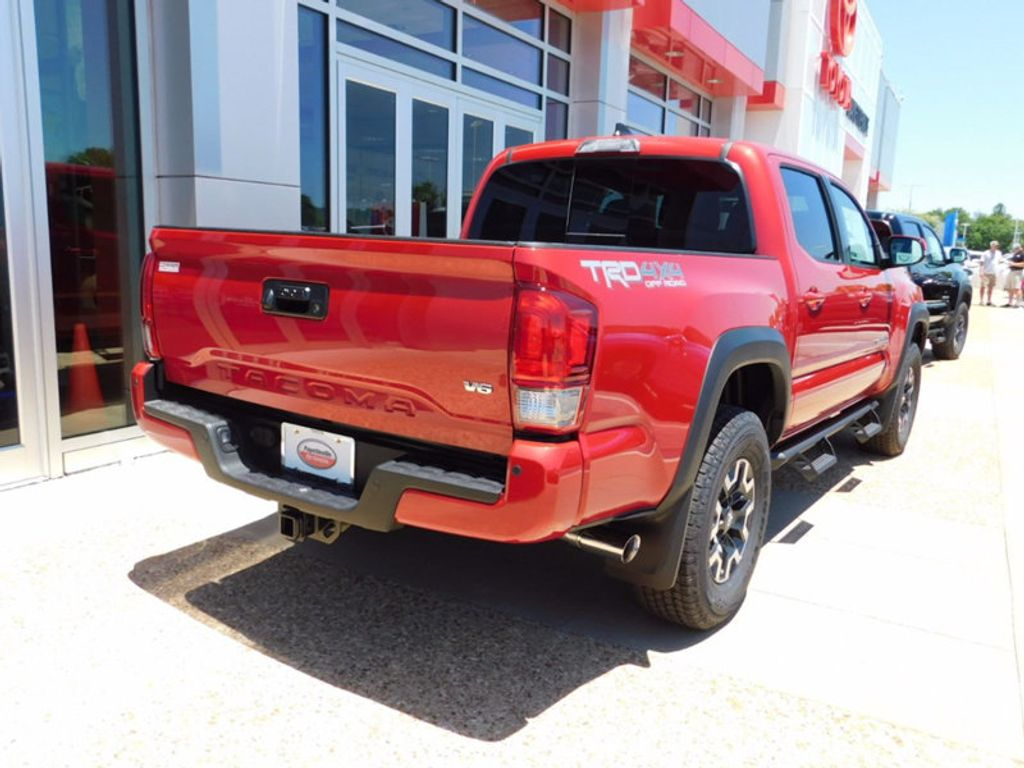 2017 Toyota Tacoma TRD Off Road Double Cab 5' Bed V6 4x4 Automatic - 16488310 - 2