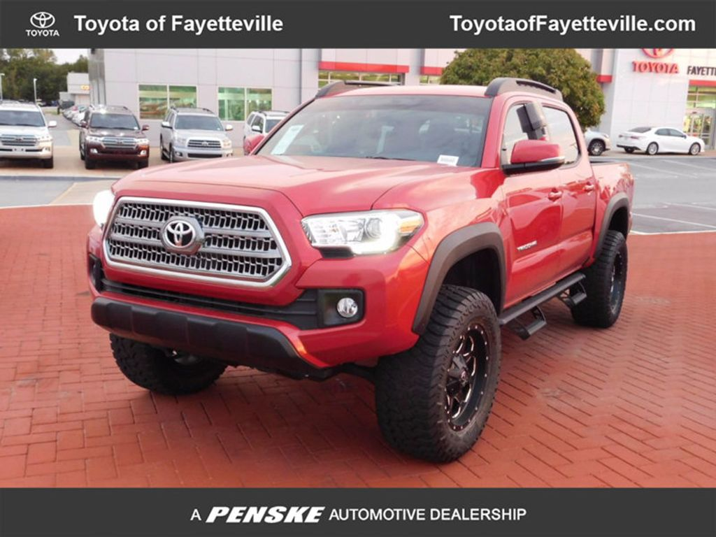2017 Toyota Tacoma TRD Off Road Double Cab 5' Bed V6 4x4 Automatic - 16516414 - 0