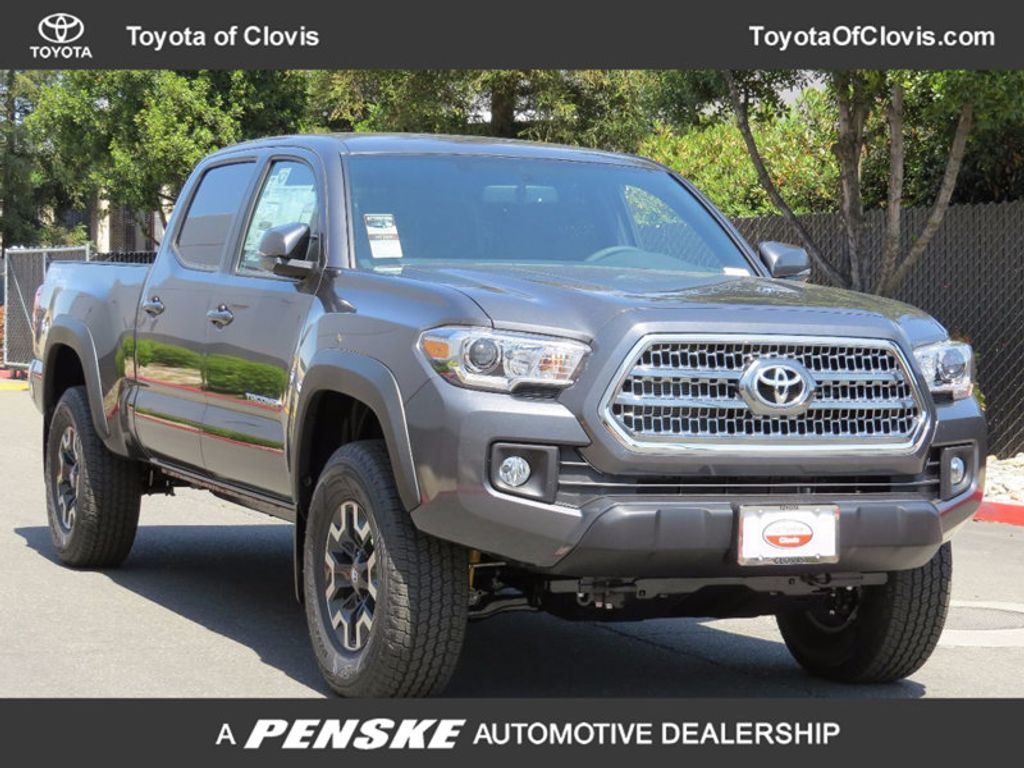 2017 Toyota Tacoma TRD Off Road Double Cab 5' Bed V6 4x4 Automatic - 16606249 - 0