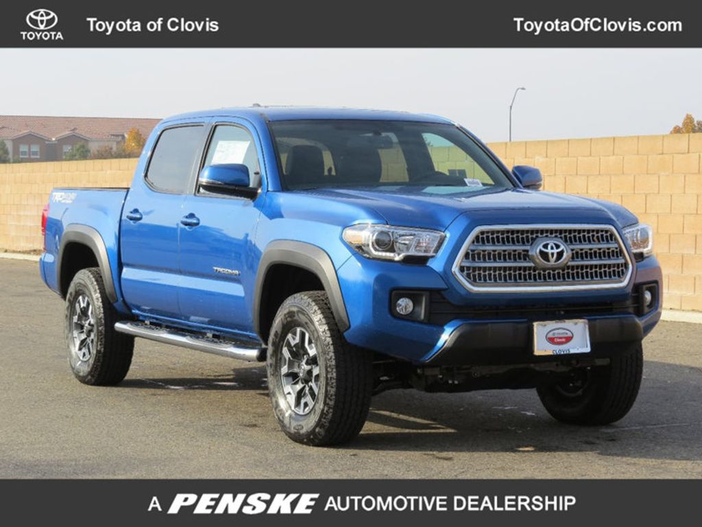 2017 Toyota Tacoma TRD Off Road Double Cab 5' Bed V6 4x4 Automatic - 16995052 - 0