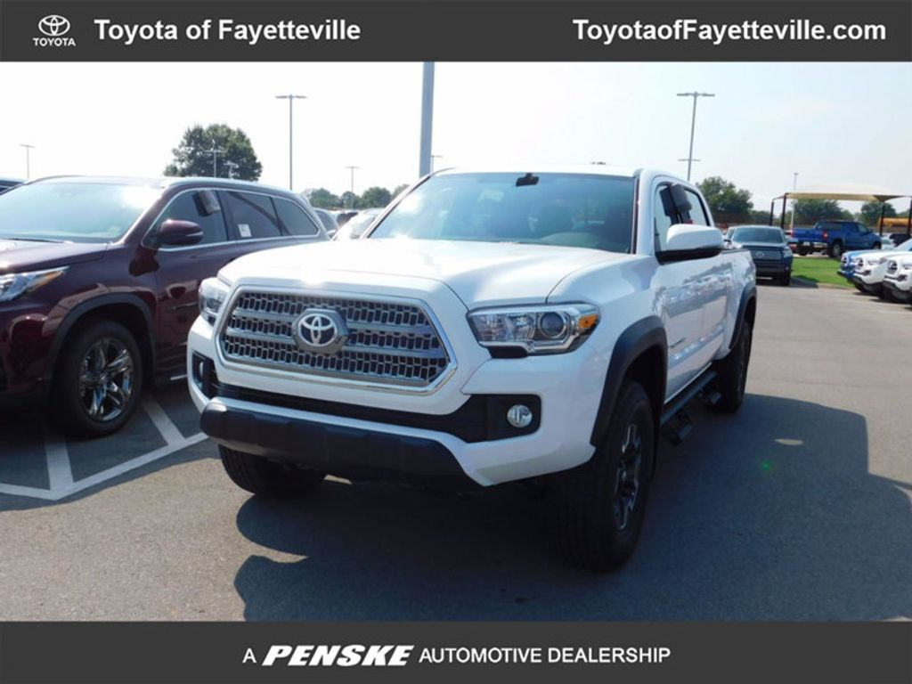 2017 Toyota Tacoma TRD Off Road Double Cab 6' Bed V6 4x4 Automatic - 16698424 - 0