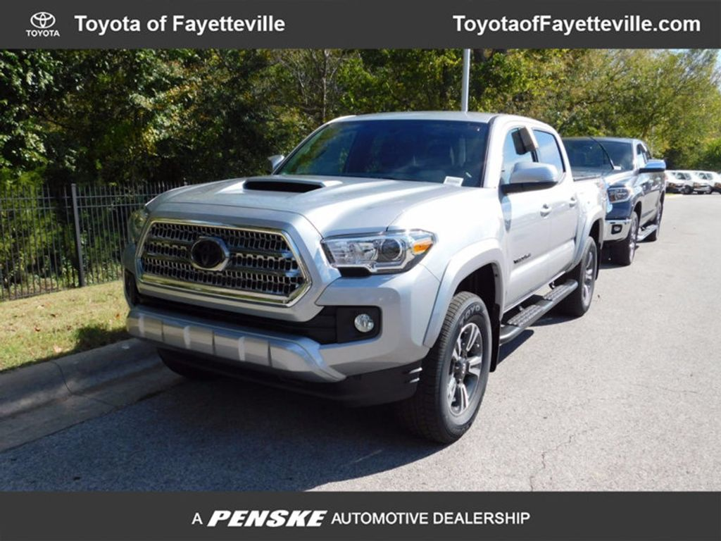2017 Toyota Tacoma TRD Sport Double Cab 5' Bed V6 4x4 Automatic - 16954212 - 0