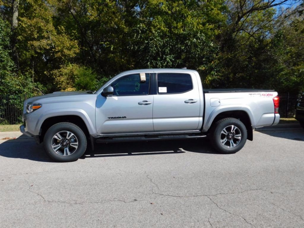 2017 Toyota Tacoma TRD Sport Double Cab 5' Bed V6 4x4 Automatic - 16954212 - 1