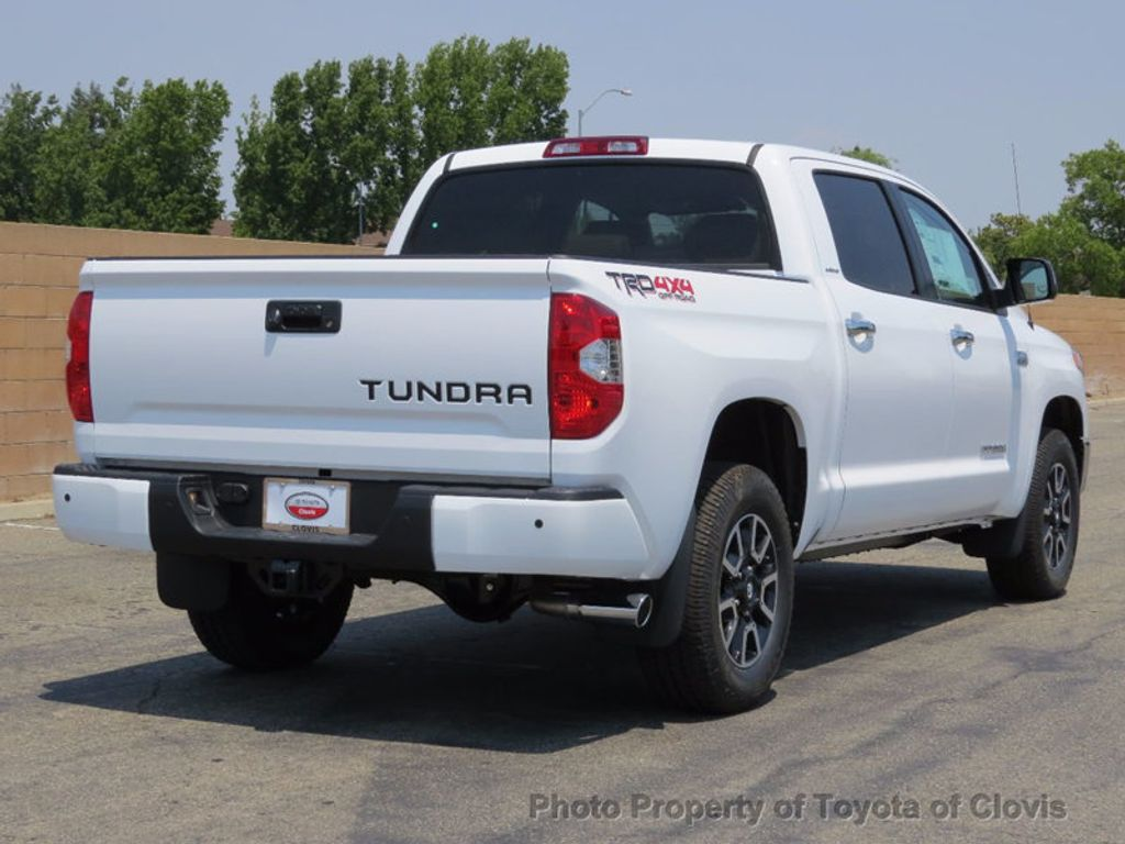 2017 Toyota Tundra 4WD Limited CrewMax 5.5' Bed 5.7L - 16599243 - 2