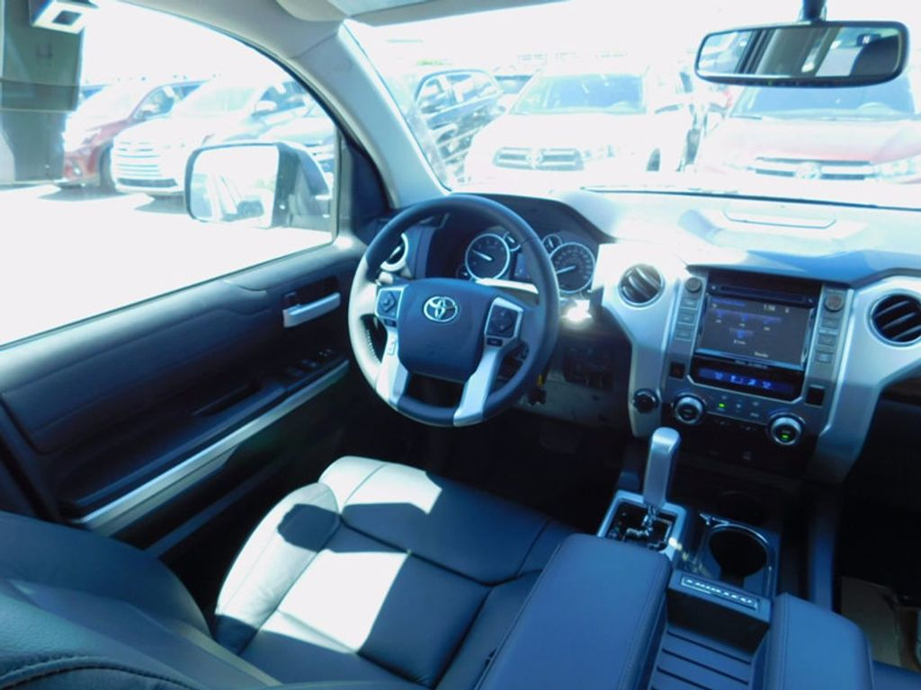 2017 Toyota Tundra 4WD Limited CrewMax 5.5' Bed 5.7L FFV - 16359657 - 10