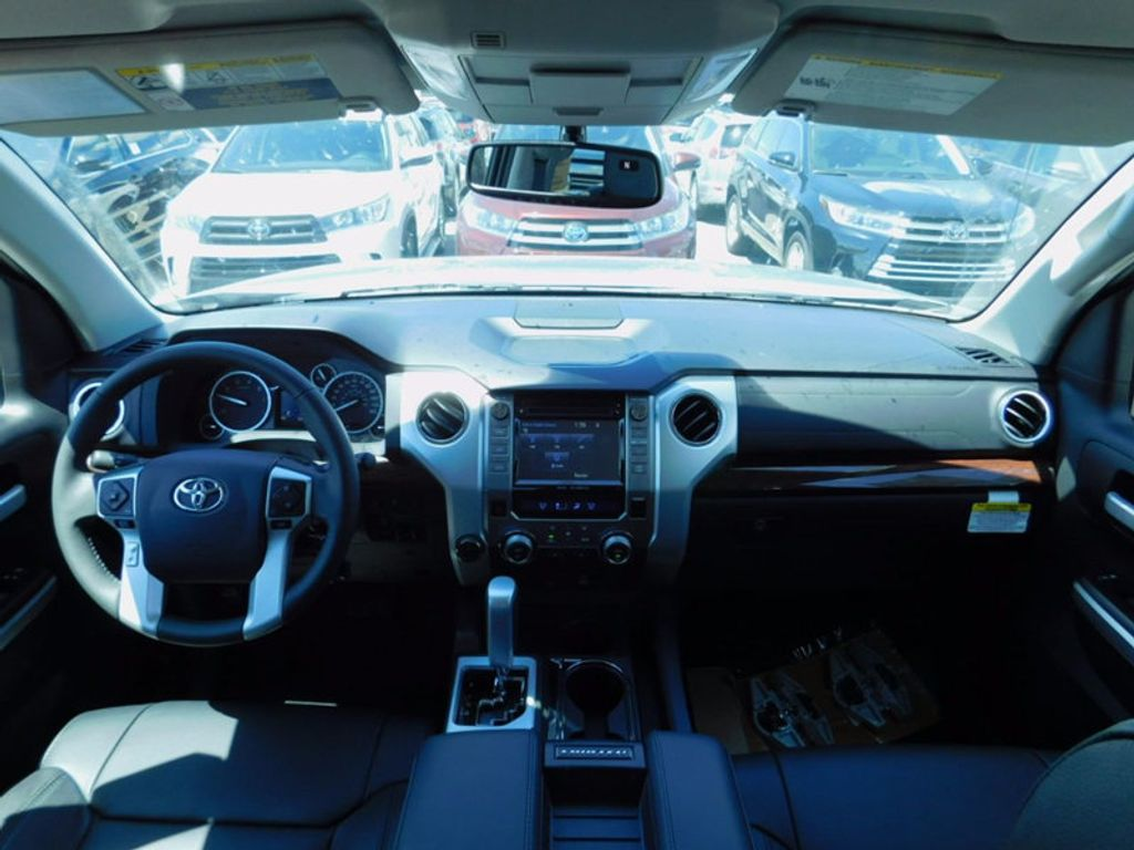 2017 Toyota Tundra 4WD Limited CrewMax 5.5' Bed 5.7L FFV - 16359657 - 12