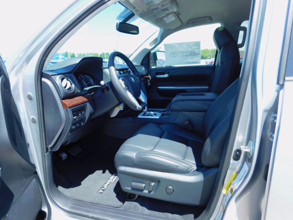 2017 Toyota Tundra 4WD Limited CrewMax 5.5' Bed 5.7L FFV - 16359657 - 13