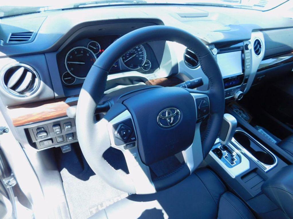 2017 Toyota Tundra 4WD Limited CrewMax 5.5' Bed 5.7L FFV - 16359657 - 14
