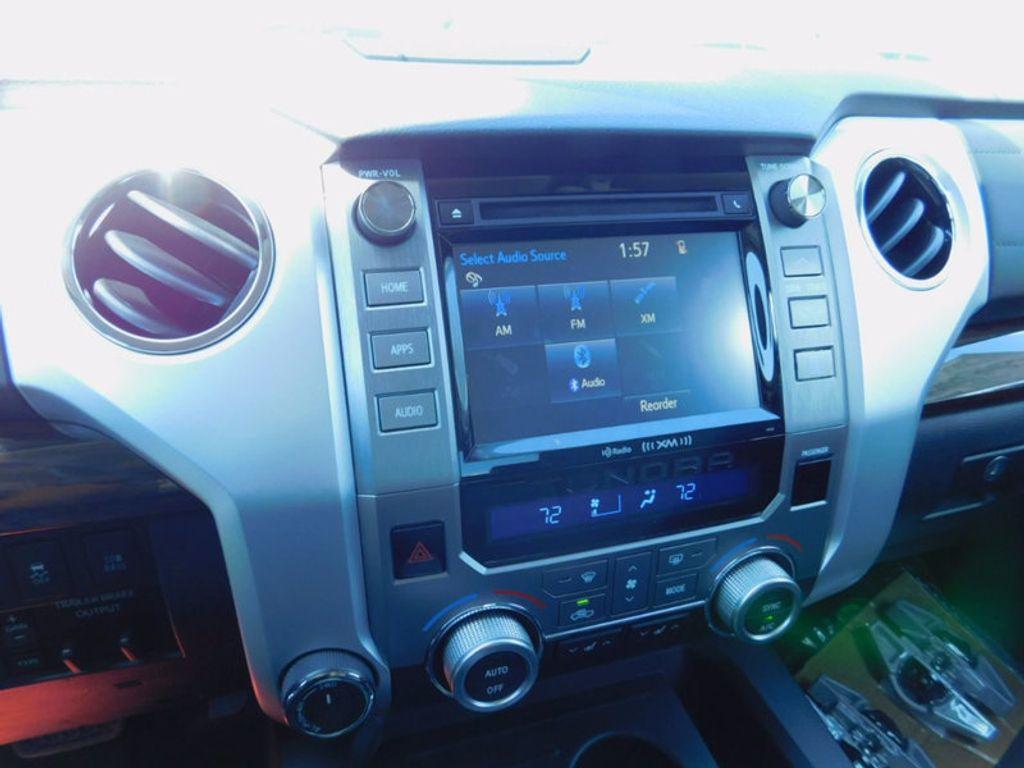 2017 Toyota Tundra 4WD Limited CrewMax 5.5' Bed 5.7L FFV - 16359657 - 17