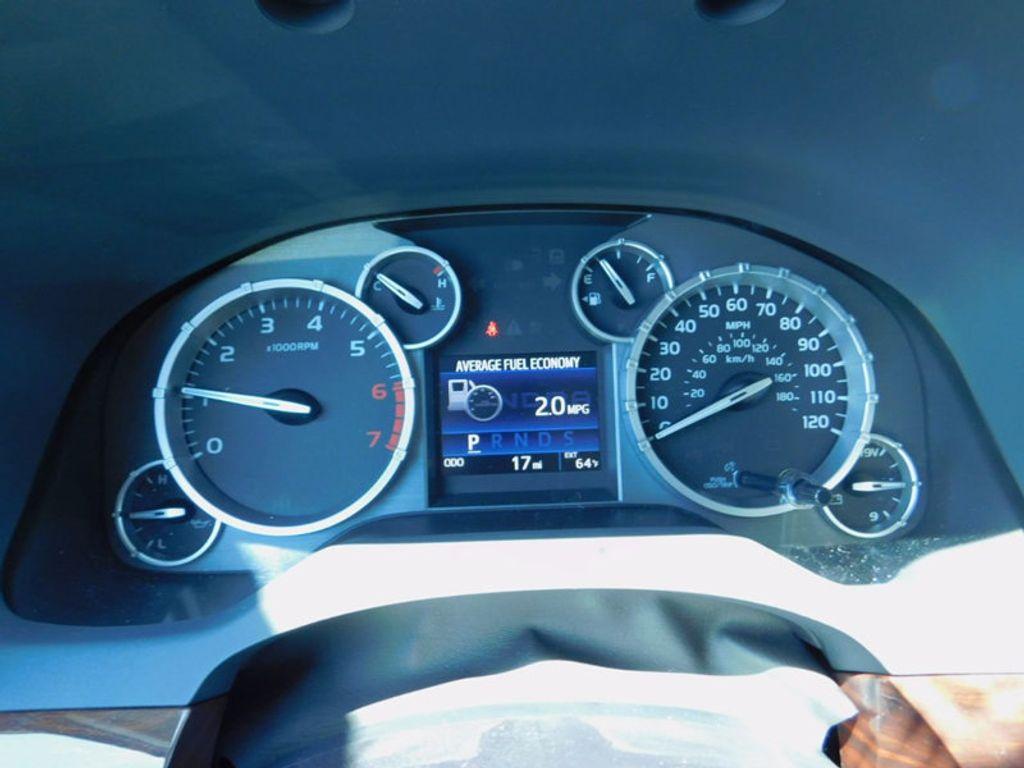 2017 Toyota Tundra 4WD Limited CrewMax 5.5' Bed 5.7L FFV - 16359657 - 19