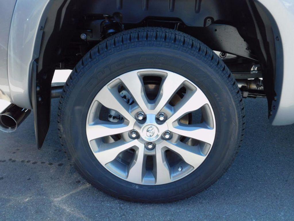 2017 Toyota Tundra 4WD Limited CrewMax 5.5' Bed 5.7L FFV - 16359657 - 6