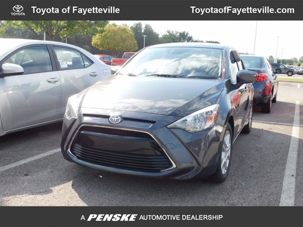 2017 Toyota Yaris iA Automatic - 16727719 - 0