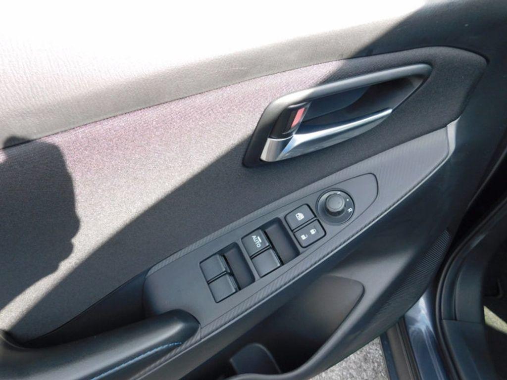 2017 Toyota Yaris iA Automatic - 16727719 - 10
