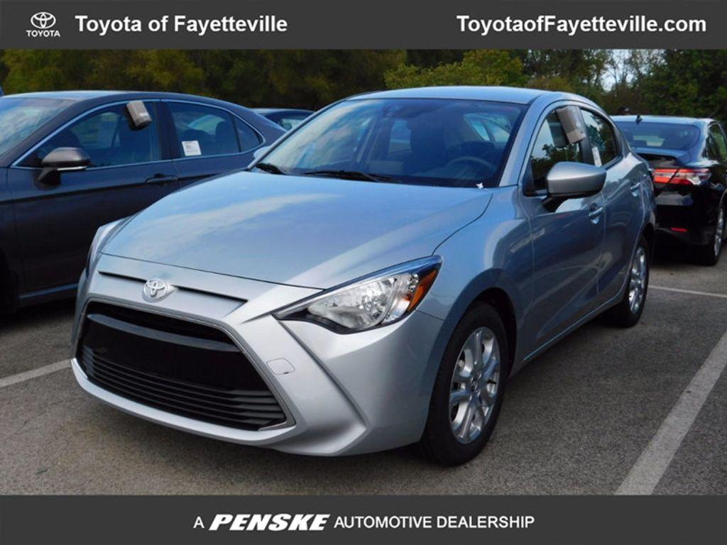 2017 Toyota Yaris iA Automatic - 16849929 - 0