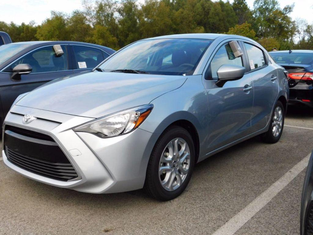 2017 Toyota Yaris iA Automatic - 16849929 - 1