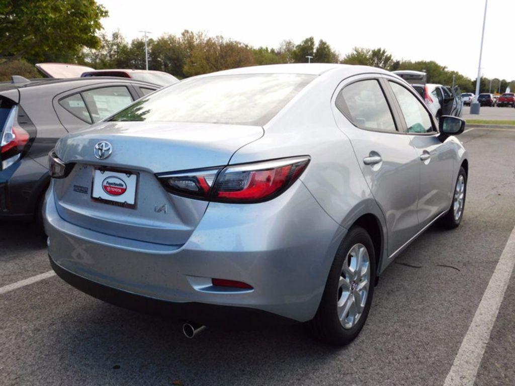 2017 Toyota Yaris iA Automatic - 16849929 - 2