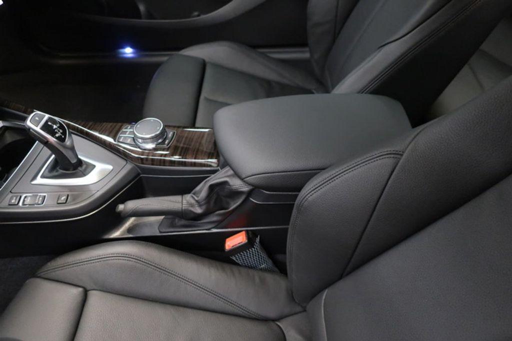 2018 BMW 2 Series M240i - 17195409 - 32