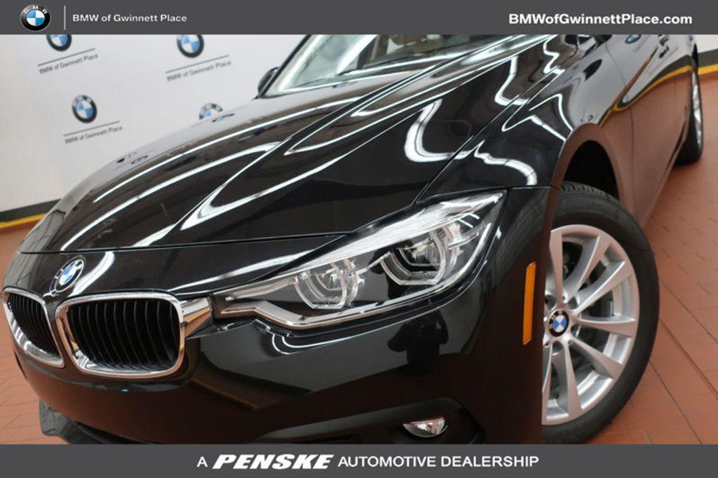 2018 BMW 3 Series 320i - 16954636 - 0