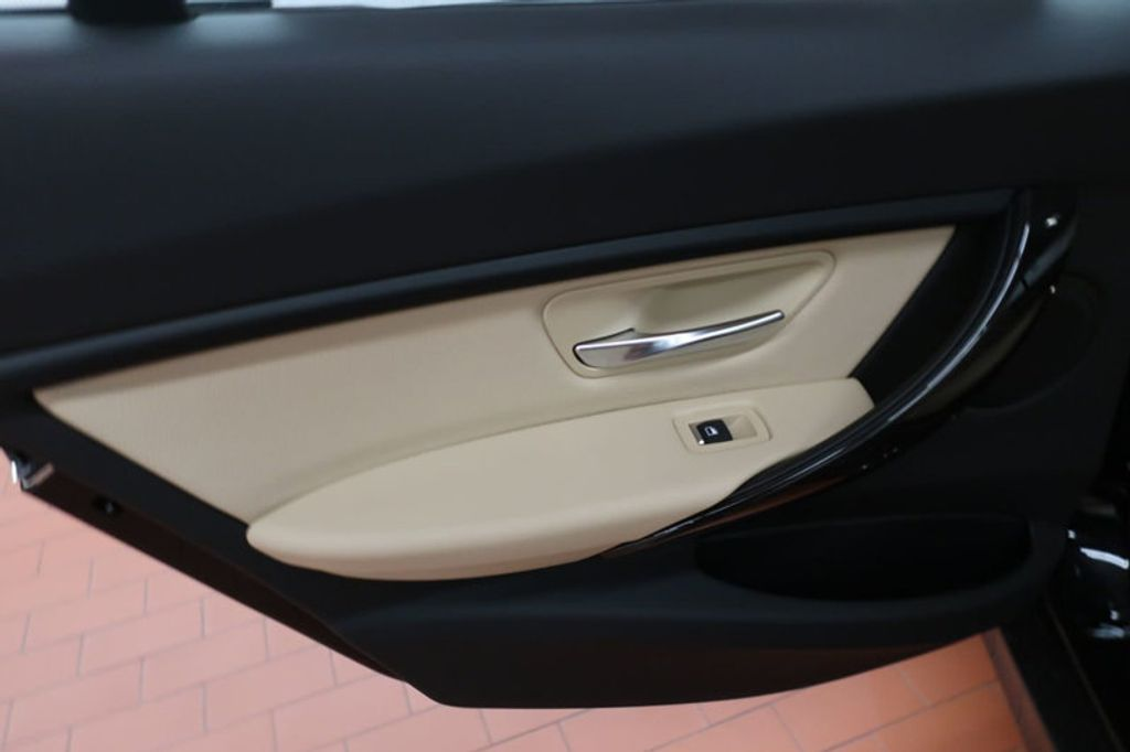 2018 BMW 3 Series 320i - 16954636 - 19