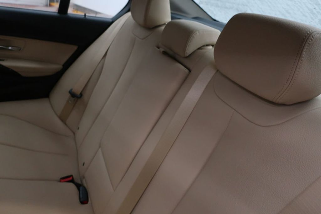 2018 BMW 3 Series 320i - 16954636 - 24