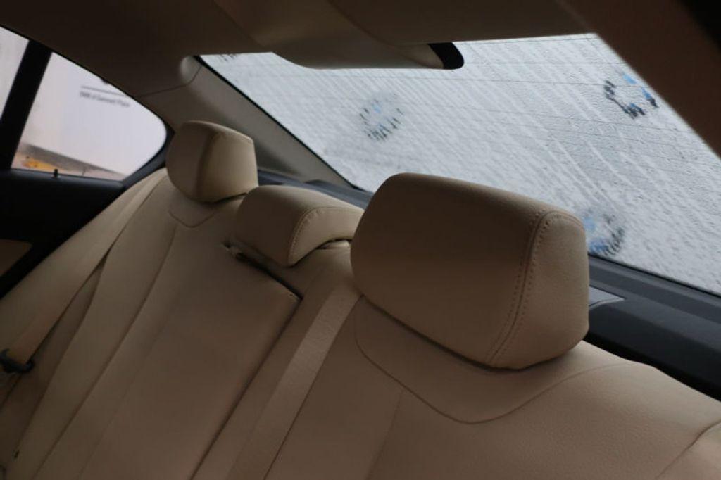 2018 BMW 3 Series 320i - 16954636 - 25