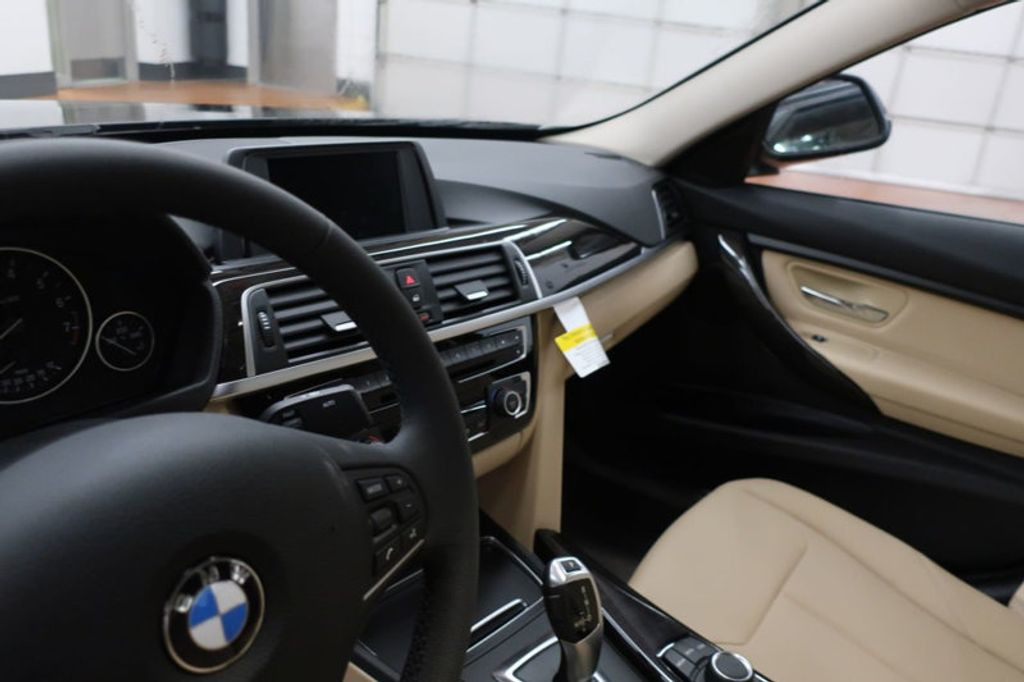 2018 BMW 3 Series 320i - 16954636 - 29
