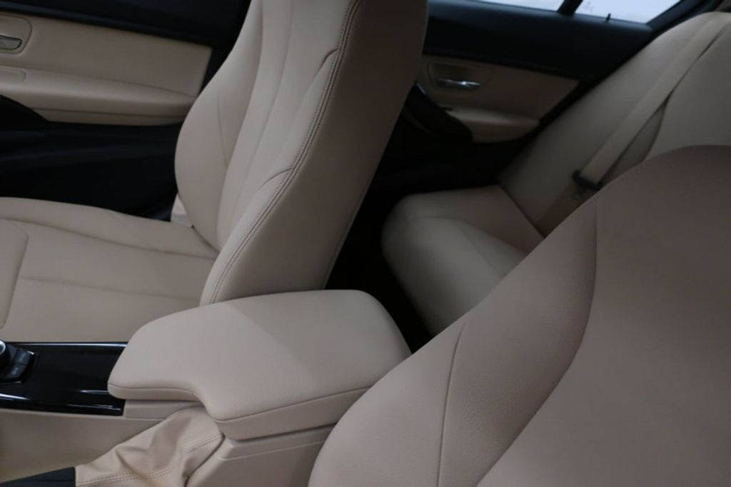 2018 BMW 3 Series 320i - 16954636 - 32