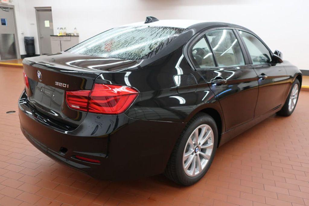 2018 BMW 3 Series 320i - 16954636 - 4