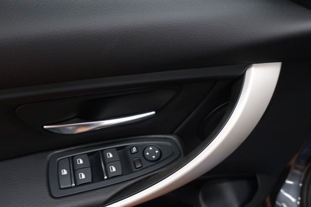 2018 BMW 3 Series 320i - 16959046 - 10