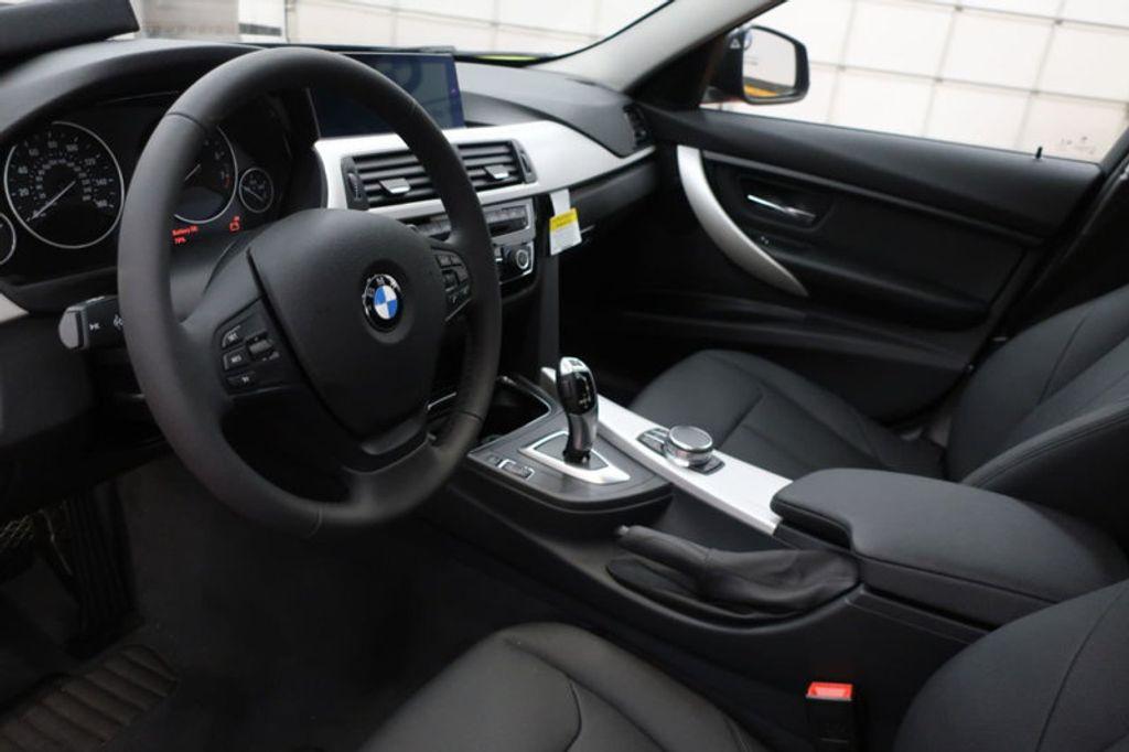 2018 BMW 3 Series 320i - 16959046 - 11