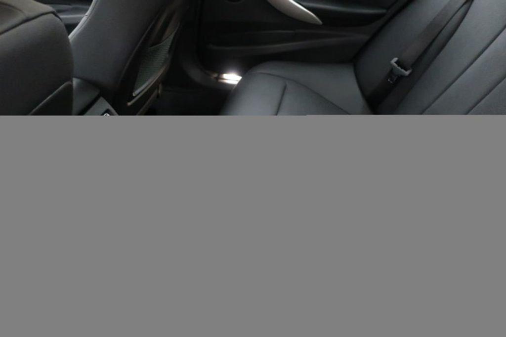 2018 BMW 3 Series 320i - 16959046 - 21