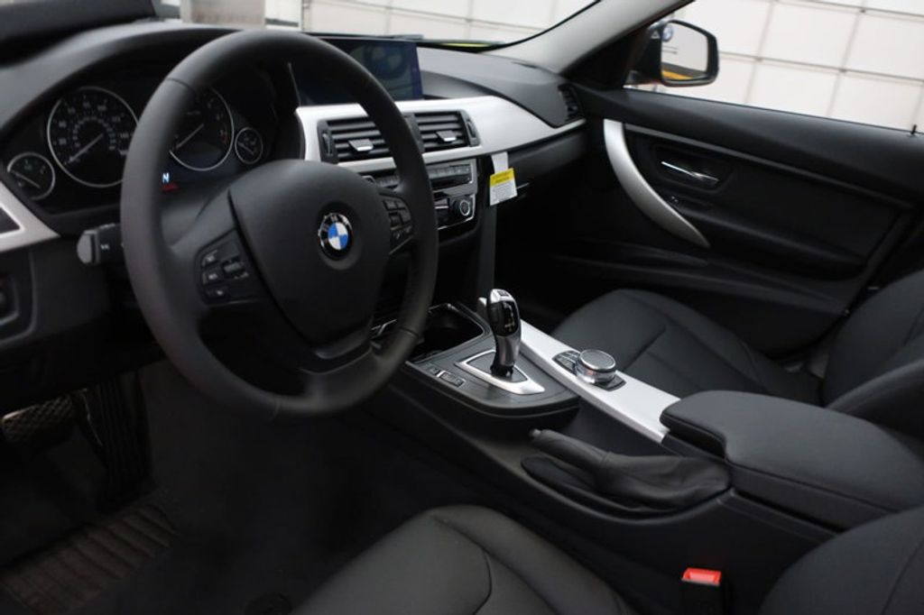 2018 BMW 3 Series 320i - 16959046 - 25