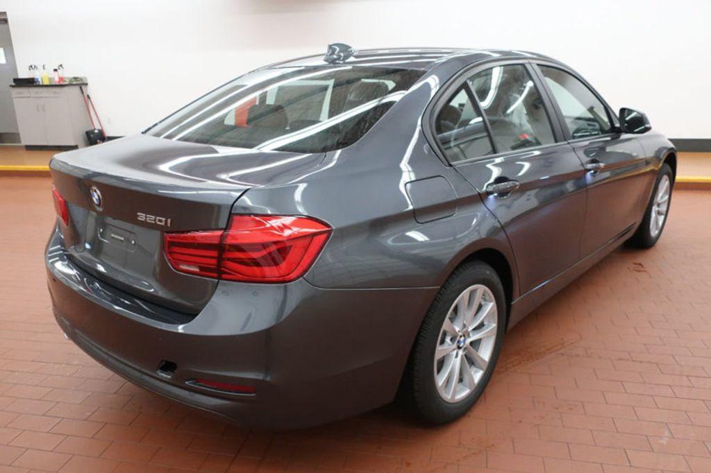 2018 BMW 3 Series 320i - 17096817 - 3