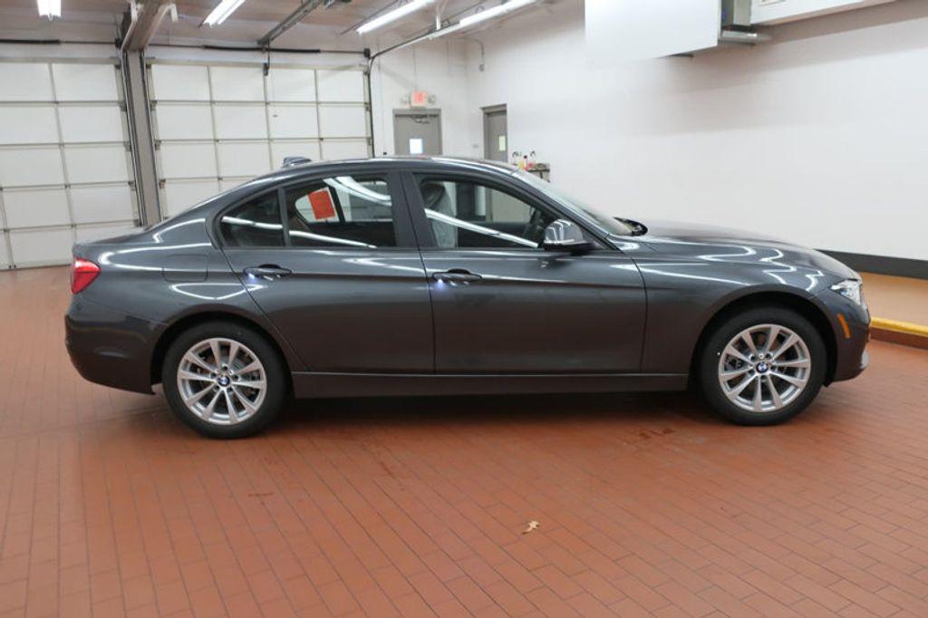2018 BMW 3 Series 320i - 17096817 - 4