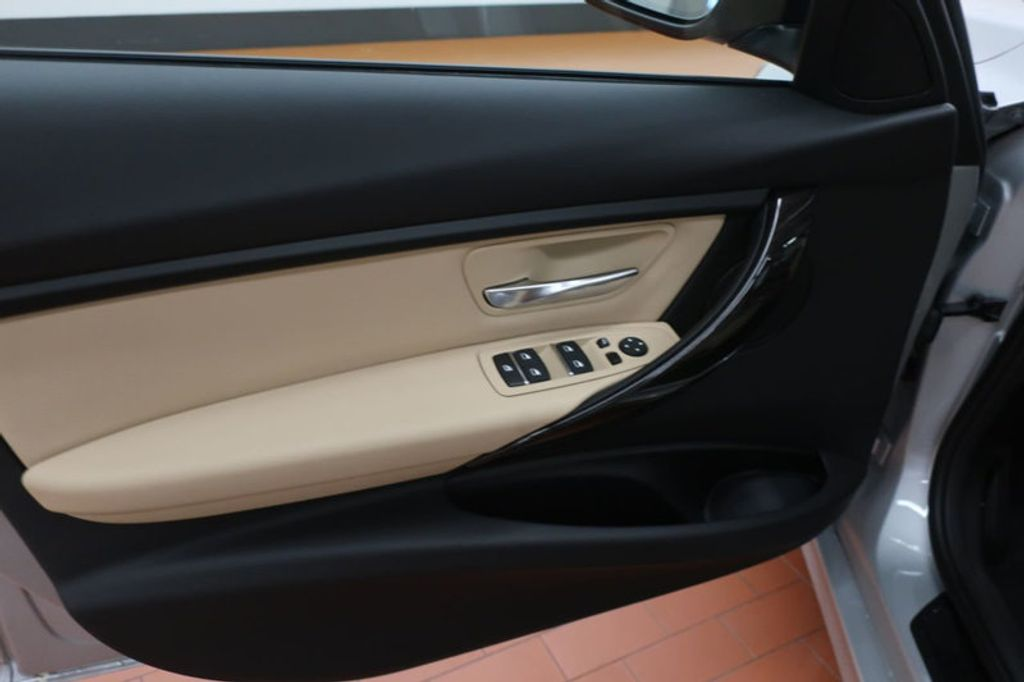 2018 BMW 3 Series 320i - 17176000 - 11