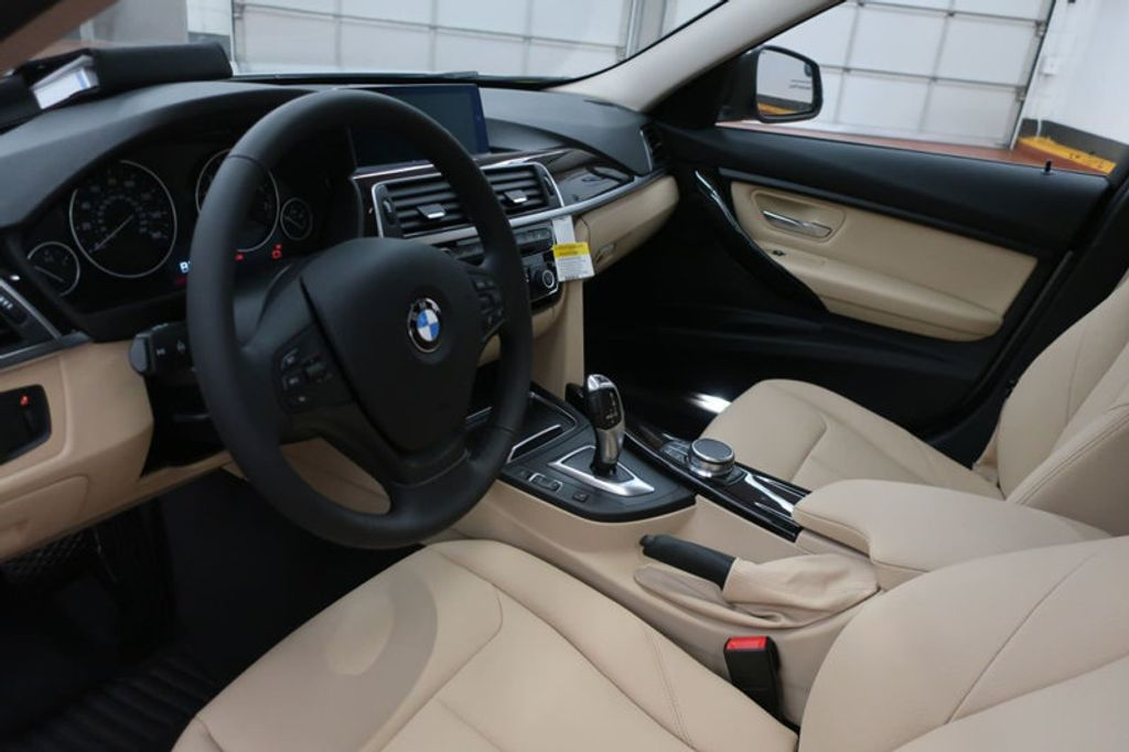 2018 BMW 3 Series 320i - 17176000 - 13
