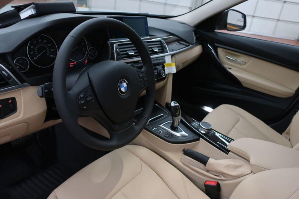 2018 BMW 3 Series 320i - 17176000 - 19