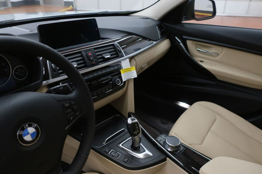 2018 BMW 3 Series 320i - 17176000 - 29