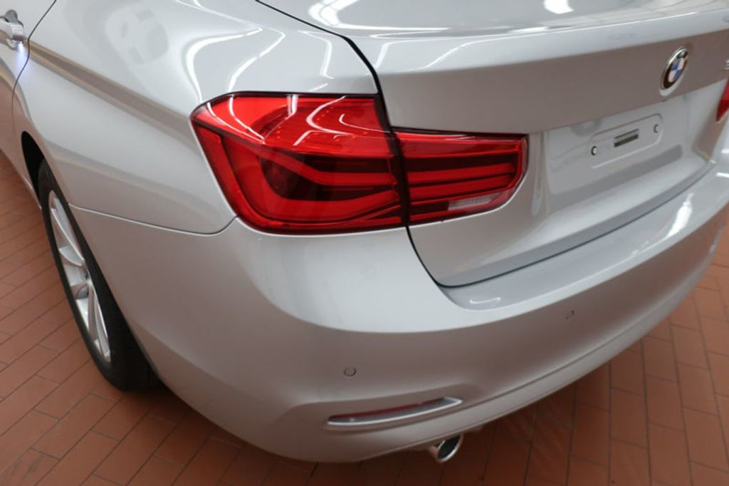 2018 BMW 3 Series 320i - 17176000 - 3