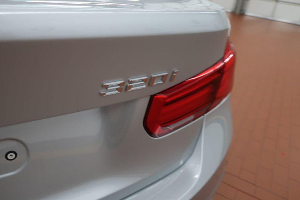 2018 BMW 3 Series 320i - 17176000 - 4