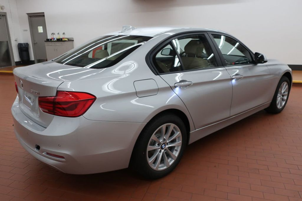 2018 BMW 3 Series 320i - 17176000 - 5