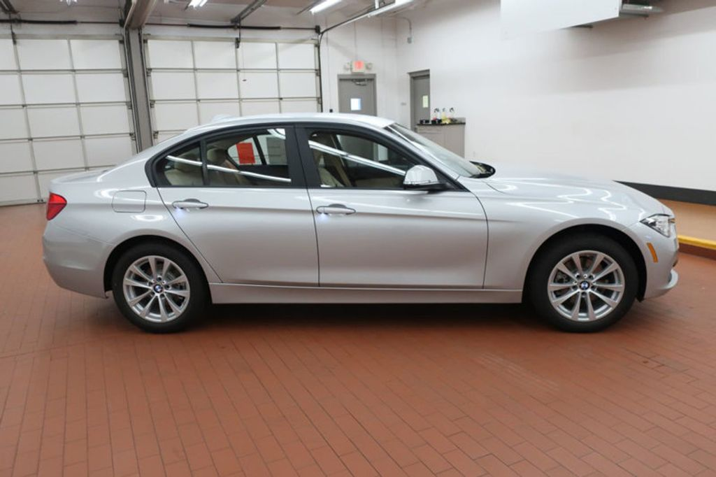 2018 BMW 3 Series 320i - 17176000 - 6
